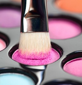 pink eye shadow makeup essentials