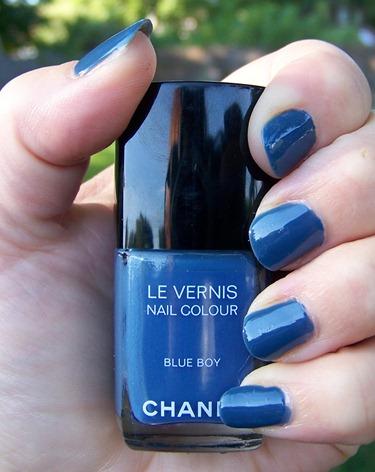 Les Jeans de Chanel Blue Boy Swatch