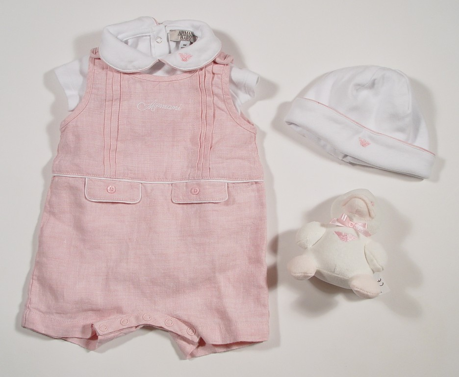 Preemie Clothes for all preemie babies, at every stage of their NICU journey. We carry NICU friendly styles sized from 1lbs to 8lbs. From Brands like Carters, Itty Bitty Baby, Kissy Kissy, Perfectly Preemie and so many more.