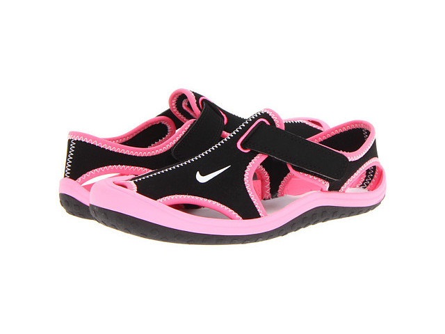 nike clothes and shoes gloss