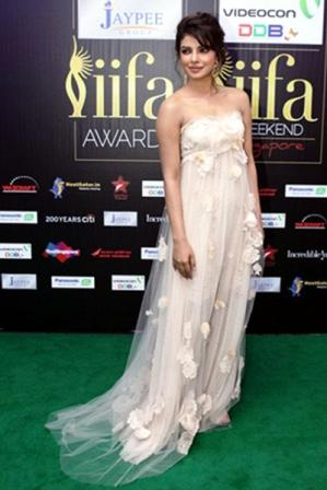 Priyanka_Chopra_at_IIFA_Awards