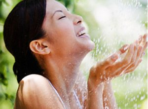 Tips to Keep Your Skin Healthy and Beautiful in a Monsoon