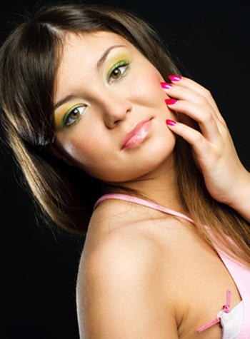 bright eye shadow look