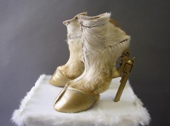 hoof and gun shoe